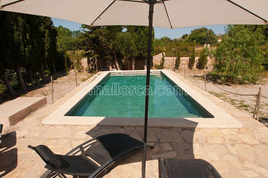 vacationhome.arta.majorca.pool