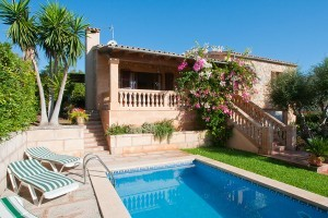 Rafa:  Villa with pool near the beach