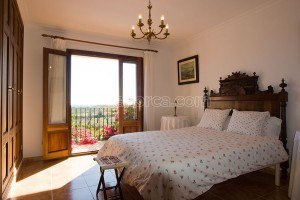 Bernadi:  Beautiful, peaceful and large country house with pool and garden