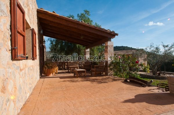a group of people can travel cheap to this perfect holidayhouse on majorca. a group up to 24 people will have fun and space here, with pool and BBQ