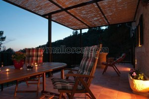 Catalina:  Perfectly located Holiday home on an inland Hill
