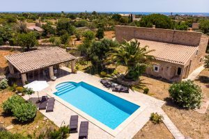 Joana:  Very quiet and affordable holiday home