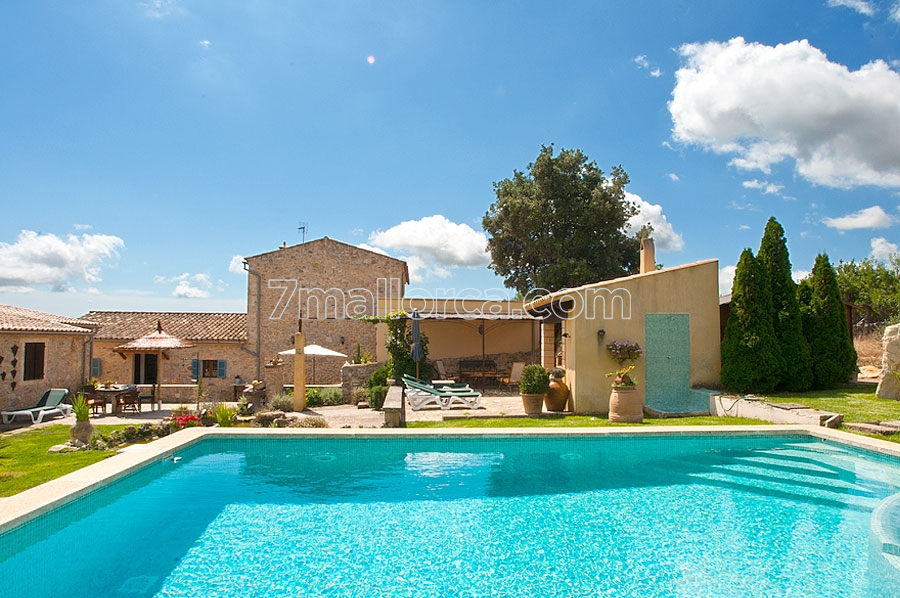 Large Holiday Home With Swimming Pool In Art Mallorca Northeast7mallorca Ferienhaus Am Meer