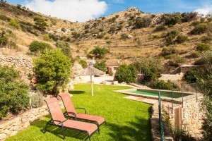 Joan:  Wonderfully located little vacation home with pool