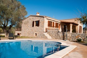 Julia:  Newly built country house in Artà with a lovely pool and beautiful views