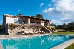 Viola:  New finca with pool, grill area and modern facilities in Artá