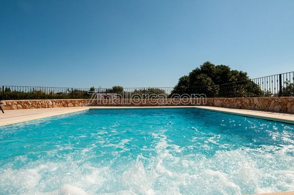 offer private villa majorca