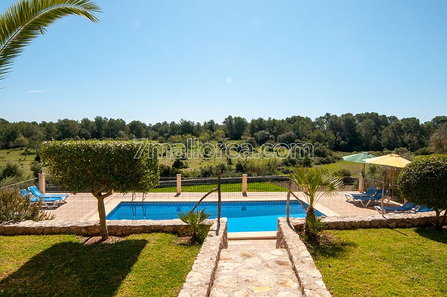 large, well maintained house with pool and beautiful garden in artà, Gartenarbeit ideen