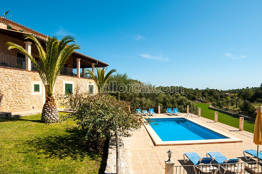 large, well maintained house with pool and beautiful garden in artà, Garten Ideen