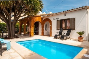 Joia:  Holiday House in Cala Millor with pool, WIFI and satellite TV located only 500 meters from the beach