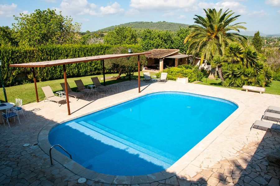 Big Holiday Home With Pool Beautiful Garden And Grill House