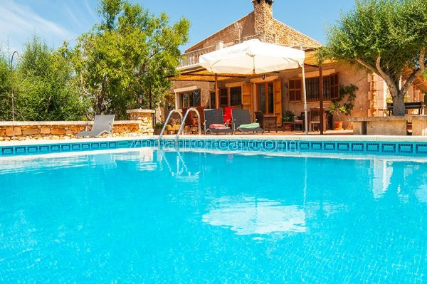 nice holiday house with pool and bbq, mallorca