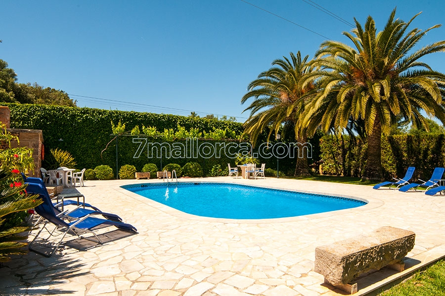 Garten Mit Pool big home with pool beautiful garden and grill