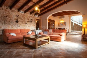 Finca Sa Roqueta:  Holiday home with four bedrooms, outdoor kitchen and swimming-pool with waterfall and Jacuzzi