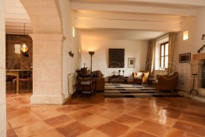 Finca Vicari:  Historic stone country house consisting of a main house and two apartment houses