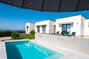 Ferienhaus Blanca:  Modern villa with pool and very nice views