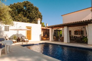 Villa Nicola:  Holiday home with swimming pool in a quiet road in Cala Ratjada, circa 500 meters from the beach